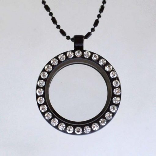 18-inch Photo box necklace. There are special accessories to choose from. black