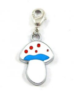 Enamel Pendant Easy to use Wide range of uses Can also be used with backpacks