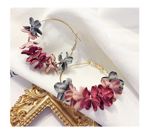 Korean version of hot earrings fashion temperament female cloth flower flash drill earrings ylx-010