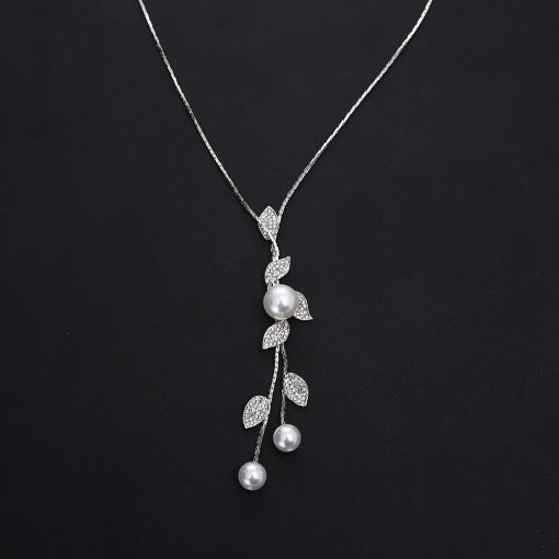 Korean version of the leaf pearl sweater chain long necklace cross-border autumn and winter wild atmosphere high-grade necklace factory direct YHY-106