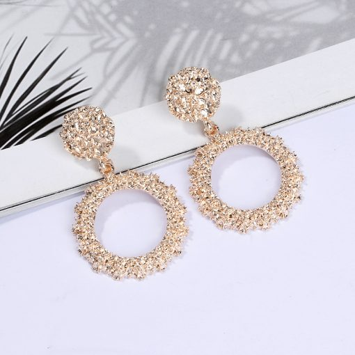 Hot new earrings European and American fashion big round alloy paint plating earrings Manufacturers supply ylx-051