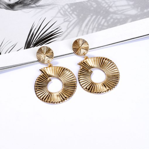New earrings European and American fashion geometric texture alloy ladies earrings YLX-121