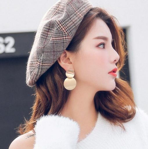 Retro metal round hollow earrings geometric round earrings Europe and America wild fashion long female simple earrings YLX-072