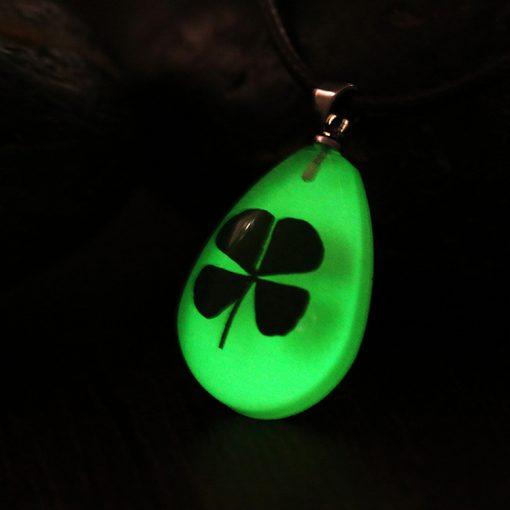 Water Drop Pendant Four-leaf clover Night Light Necklace Dry Flower Series Teardrop Crystal Accessories YFT-150